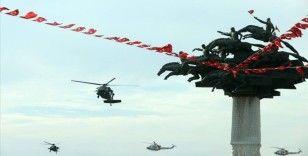 İzmir semalarında heyecan veren kurtuluş gösterisi
