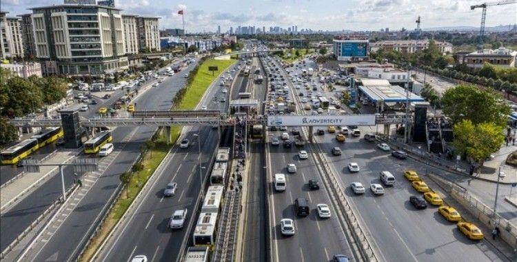 İstanbul trafiğinde yoğunluk yaşanıyor