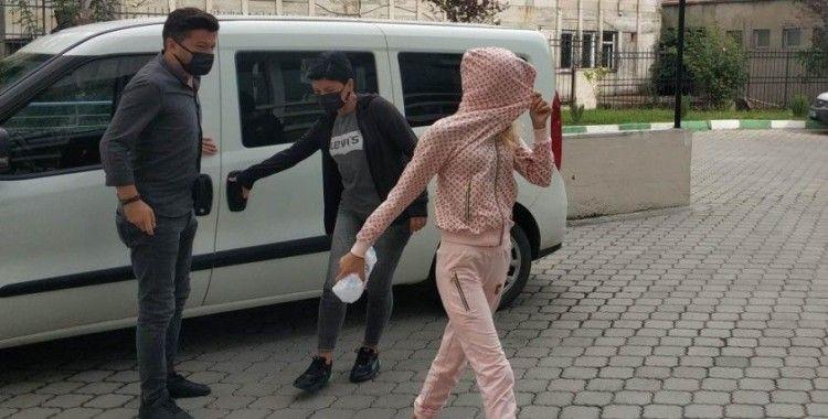 Kadın hırsızlar emniyet müdürünün evinden 80 bin lira çaldı