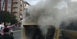 Gaziosmanpaşa'da İETT otobüsünde yangın çıktı