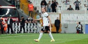 Süper Lig: Beşiktaş: 2 - Yeni Malatyaspor: 0 (İlk yarı)