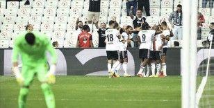 Beşiktaş maç fazlasıyla liderlik koltuğunda