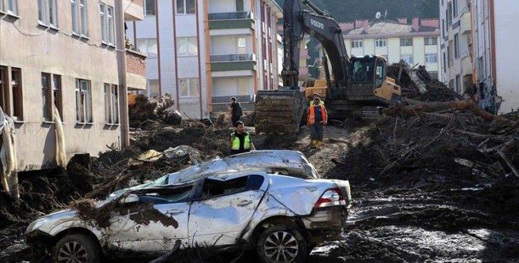 Karadeniz'deki sel felaketinde 82 kişi hayatını kaybetti, 15 kişiyi arama çalışmaları devam ediyor