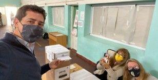 Arjantin'de halk, ön seçimler için sandık başında