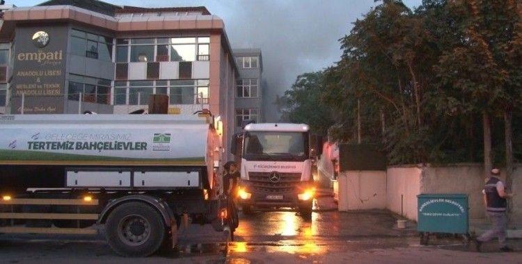 İstanbul'daki fabrika yangını 5 saatlik çalışmanın sonunda söndürüldü