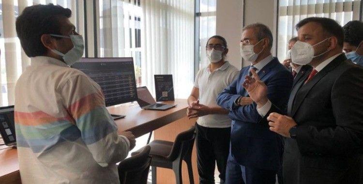 Savunma Sanayii Başkanı İsmail Demir, 'siber güvenlik lisesi'nin eğitim öğretim açılış törenine katıldı