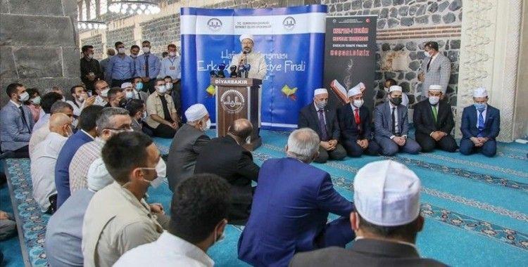 Diyanet İşleri Başkanı Erbaş: Dünya meselelerini çözmede mutlaka Kur'an'ın mesajlarını gündeme almak zorundayız