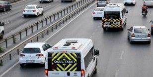 Vali Yerlikaya'dan okul servislerinde şoförlerine aşı açıklaması