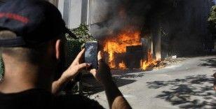 İstanbul'da yatak fabrikası alev alev yandı