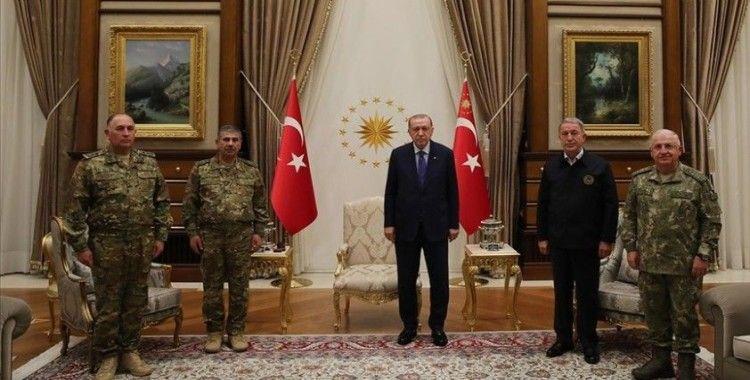Cumhurbaşkanı Erdoğan, Azerbaycan Savunma Bakanı Hasanov ve Genelkurmay Başkanı Veliyev'i kabul etti