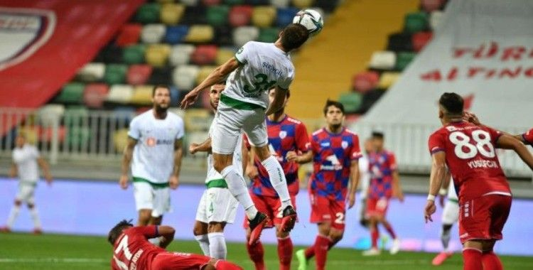 Bursaspor bu sezon her maçta kalesinde gol gördü