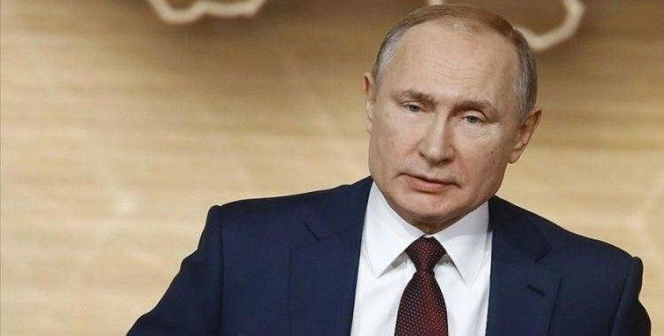 Rus lider Putin kendini karantinaya aldı