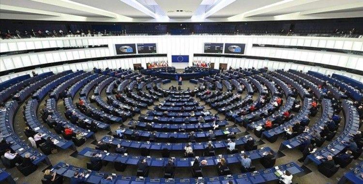 Avrupa Parlamentosu aday ülkelerin katılım öncesi fonlarını onayladı