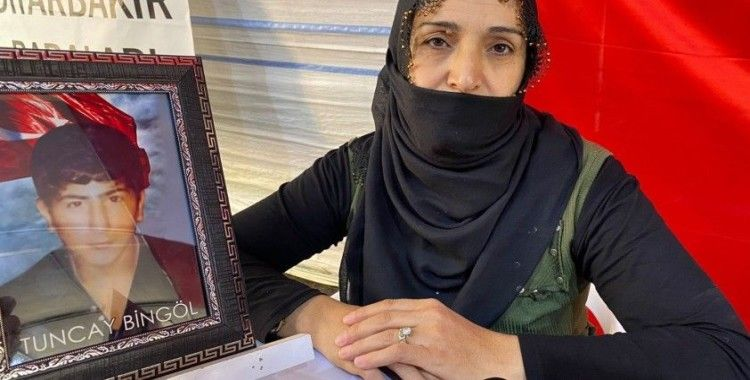 Evlat hasreti çeken anne Bingöl: 'Vicdansızlara hizmet etme, merhametsizlerin yanında durma gel'