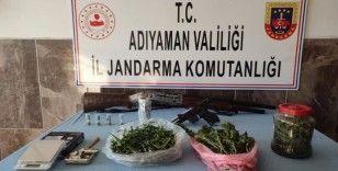 Jandarma uyuşturucu ve tabanca ele geçirdi