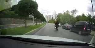 Ataşehir'de motosikletlinin tek teker terörü kamerada