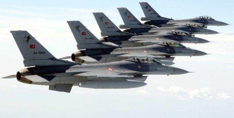 Türk jetleri NATO'nun 'hava polisliği' görevi sonrasında yurda döndü