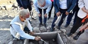 Çayönü kazısında 5 bin yıllık aandık mezar ortaya çıkarıldı