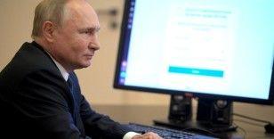 Karantinadaki Putin, Duma seçimlerinde internet üzerinden oy kullandı