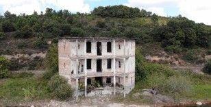 Pendik'te talan edilen tarihi konak havadan görüntülendi