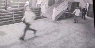 Sultangazi'de imama sopalı saldırı girişimi