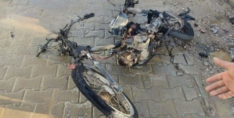 Alev alan motosiklet küle döndü