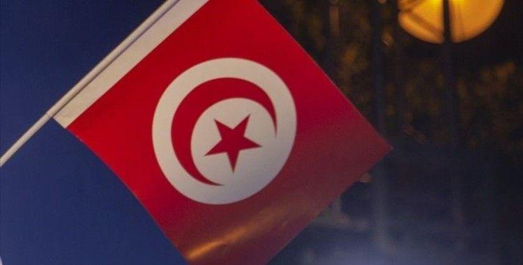 Nahda, Cumhurbaşkanı'nın yetkilerini genişletme kararını anayasanın feshi olarak niteledi