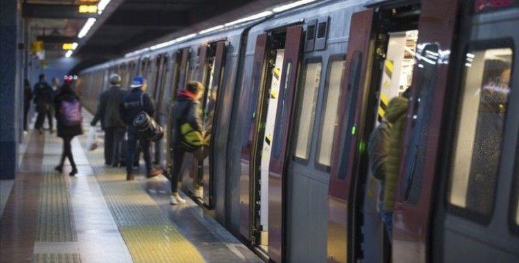 Başkentte metro ve otobüslerin son sefer saatleri ileri alındı