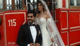 İranlı çift Taksim'de ilgi odağı oldu