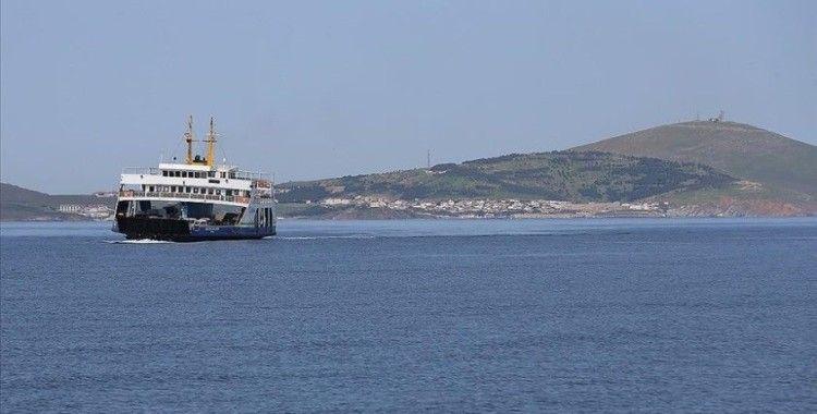 Bozcaada feribot hattında yoğunluk nedeniyle yarın için 12 ek sefer konuldu