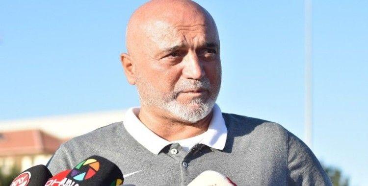 """Hikmet Karaman: """"Trabzonspor maçından 3 puan almak istiyoruz"""""""