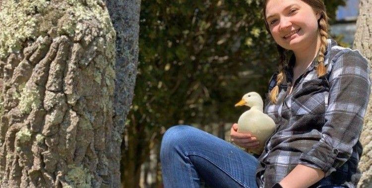 Fenomen ördek ayda 4 bin 500 dolar kazanıyor
