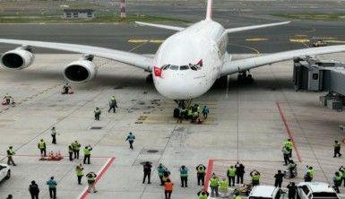 Dünyanın en büyük yolcu uçağıyla İstanbul Havalimanı'na ilk tarifeli uçuş