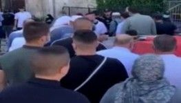 İsrail polisi Filistinlilerin Mescid-i Aksa'ya girişini engelledi