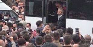 Yeraltı dünyasının ünlü ismi Sedat Şahin kardeşinin cenazesine katıldı