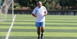 Trabzonlu 72 yaşındaki amatör futbolcu, salgın sürecinde ara verdiği futbola geri döndü