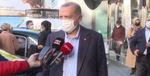 Cumhurbaşkanı Erdoğan, evinin yakınındaki bir marketi ziyaret etti