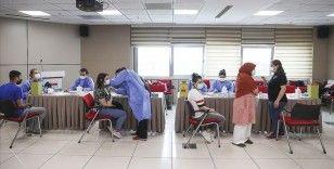İki doz koronavirüs aşısı olanların oranı 22 ilde yüzde 75'i geçti