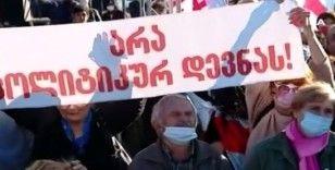 Gürcistan'da gözaltındaki eski Cumhurbaşkanı Saakaşvili'ye destek gösterisi
