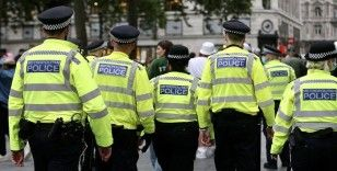 İngiltere'de milletvekilleri ve diplomatları koruyan polis memuru tecavüzle suçlandı
