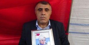 Evlat nöbetindeki acılı baba evladını PKK'dan almakta kararlı