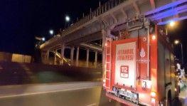 Esenyurt'ta bulunan metrobüs üst geçinde intihar girişimi