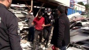 Ümraniye'de kağıt toplayıcıları ile polis arasında taşlı arbede