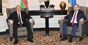 Azerbaycan ve Ermenistan liderleri, Karabağ savaşının 1. yılında görüşmeye sıcak bakıyor