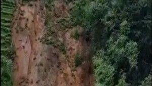 Rize'de şiddetli yağış heyelanlara neden oldu