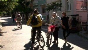 Adalar'da akülü araç yasağı gelince bisikletlere talep arttı