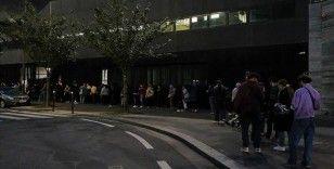 Fransa'da üniversiteliler gıda ihtiyaçlarını karşılamak için uzun kuyruklarda bekliyor
