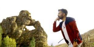 Yüksekova'da 'Düşünen Maymun' figürlü kayalık şaşırtıyor