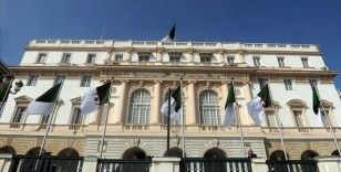 Cezayir parlamentosu, Fransız sömürge dönemini suç sayan yasa tasarısına hazırlanıyor