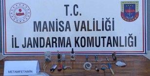 Manisa'da şüpheli araçtan metamfetamin çıktı